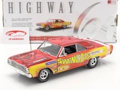 Dodge Dart 340 Swinger 1969 Car Craft Project Car amarillo / rosado 1:18 Highway61