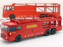 Fiat Bartoletti 306/2 Trasportatore da corsa Ferrari JCB Racing rosso 1:18 Norev / 2. scelta