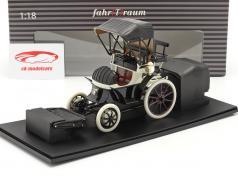 Lohner Porsche Anno di costruzione 1900 nero / bianca 1:18 Fahr(T)raum