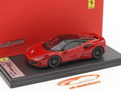 Ferrari F8 Tributo Byggeår 2019 corsa rød metallisk / sort 1:43 LookSmart
