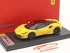 Ferrari F8 Tributo Año de construcción 2019 modena amarillo / negro 1:43 LookSmart