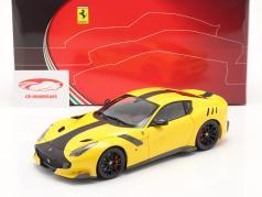 Ferrari F12 TDF Bouwjaar 2015 modena geel  zwart 1:18 BBR
