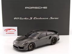 Porsche 911 (991) Turbo S Exclusiv Series 灰色的, 黑色的 1:18 Spark/2. 选择