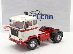 Volvo F88 卡车 1971 白色的 / 红色的 1:18 Model Car Group