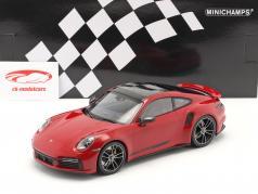 Porsche 911 (992) Turbo S Ano de construção 2020 carmim vermelho 1:18 Minichamps
