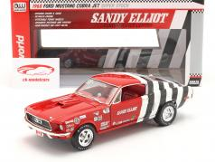 Ford Mustang Fastback Sandy Elliott 1968 rouge / blanc / noir 1:18 AutoWorld