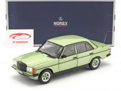 Mercedes-Benz E-classe 200E (W123) AMG Ano de construção 1984 prata verde 1:18 Norev