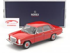 Mercedes-Benz 200/8 (W115) Series 2 Ano de construção 1973 vermelho 1:18 Norev