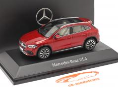 Mercedes-Benz GLA (H247) 建設年 2020 designo パタゴニアレッド bright 1:43 Spark