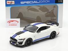 Ford Mustang Shelby GT500 Ano de construção 2020 Branco com azul listras 1:18 Maisto