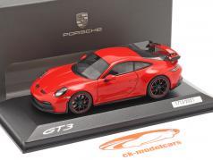 Porsche 911 (992) GT3 建設年 2021 警備員 赤 1:43 Minichamps