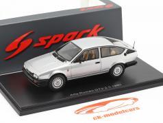 Alfa Romeo GTV 2.0 Bouwjaar 1980 zilver 1:43 Spark