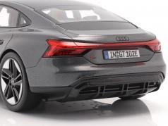 Audi RS e-tron GT Bouwjaar 2021 Daytona Grijs 1:18 Norev