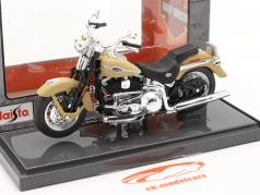 Harley-Davidson FLSTCI Softail Springer Classic Byggeår 2005 beige 1:18 Maisto
