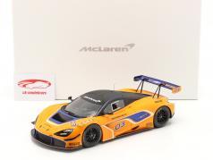 McLaren 720S GT3 2019 #03 オレンジ / 青 と ショーケース 1:18 TrueScale