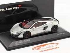McLaren 570GT Byggeår 2017 sølv metallisk 1:43 Minichamps