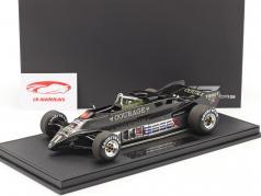 Elio de Angelis Lotus 88B #11 formula 1 1981 with showcase 1:18 GP Replicas