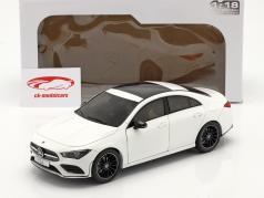 Mercedes-Benz CLA Coupe (C118) Baujahr 2019 weiß 1:18 Solido