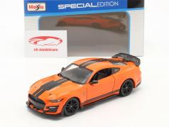 Ford Mustang Shelby GT 500 Baujahr 2020 orange / schwarz 1:24 Maisto