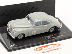 Stirling Moss Jaguar MKVII #40 winner Silverstone Touring Car 1953 1:43 Ixo / 2nd choice