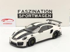 Porsche 911 (991 II) GT2 RS Weissach Package 2018 hvid / sort fælge 1:18 Minichamps