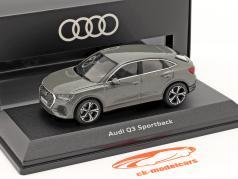 Audi Q3 Sportback (F3) 建设年份 2019 计时灰色 1:43 iScale