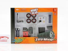 Repair Tire Shop Set 1:24 Hobbygear