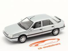 Renault 25 (R25) Byggeår 1984 sølv 1:43 Norev