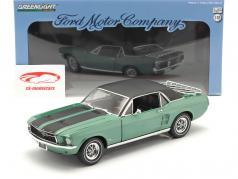 Ford Mustang Byggeår 1967 Ski Country Special grøn / sort 1:18 Greenlight