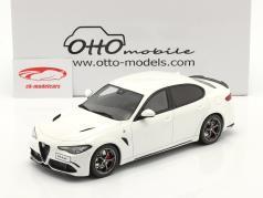 Alfa Romeo Giulia Quadrifoglio Ano de construção 2019 Branco 1:18 OttOmobile