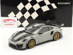 Porsche 911 (991 II) GT2 RS Weissach Pacote 2018 cinza claro / dourado aros 1:18 Minichamps
