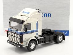 Scania 143 Topline Camion 1987 blanche / bleu 1:18 Model Car Group