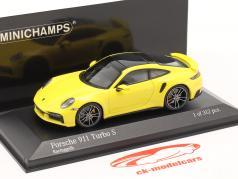 Porsche 911 (992) Turbo S bouwjaar 2020 racing geel 1:43 Minichamps