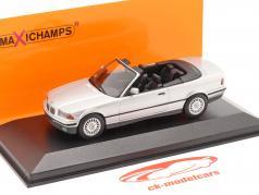 BMW 3 Serie (E36) Cabriolet Byggeår 1993 sølv 1:43 Minichamps