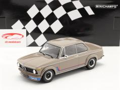 BMW 2002 Turbo (E20) Año de construcción 1973 gris marrón 1:18 Minichamps