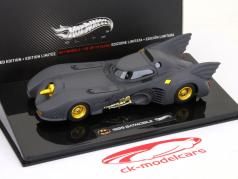 Moviecar Batman Batmobile 1989 Hotwheels uno y cuarenta y tres de color negro mate