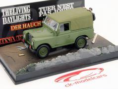 Land Rover Series III auto di James Bond film The Living Daylights marrone 1:43 Ixo