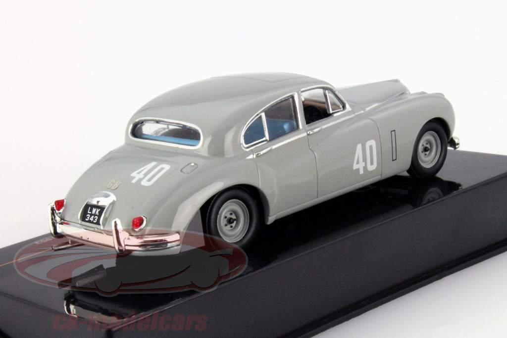 Stirling Moss Jaguar MKVII #40 Gagnant Silverstone Touring Car 1953 1:43 Ixo