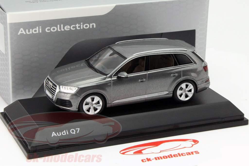 Audi Q7 Year 2015 graphite Grey 1:43 Spark