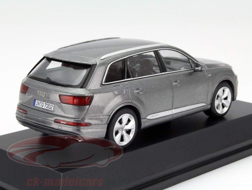 Audi Q7 Jaar 2015 grafiet grijs 1:43 Spark