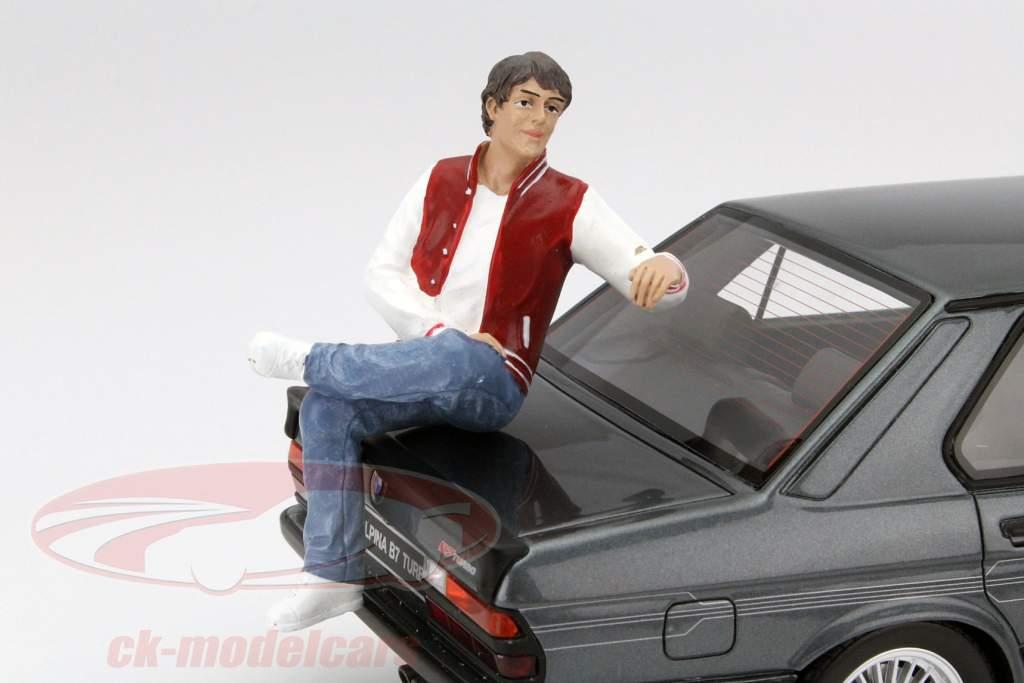 Sitzende Figur Adam 1:18 American Diorama