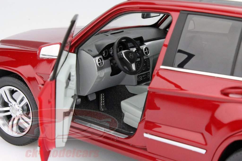 Mercedes-Benz GLK jaar 2013 rood 1:18 Welly GTA