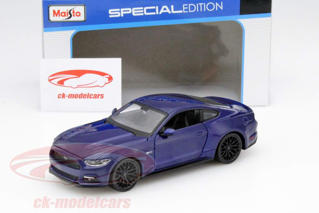 Ford Mustang Year 2015 blue 1:24 Maisto
