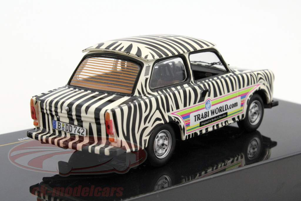 Trabant 601 Safari année 1970 noir / blanc 1:43 Ixo
