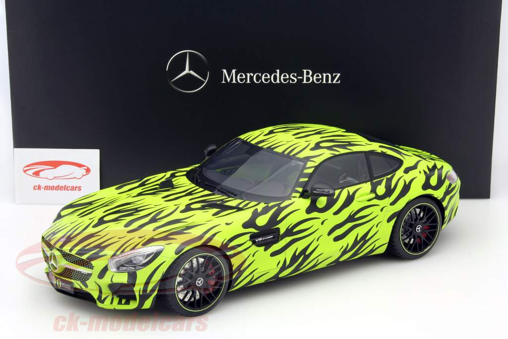 Mercedes-Benz AMG GT S camouflage design green / black 1:12 PremiumClassiXXs