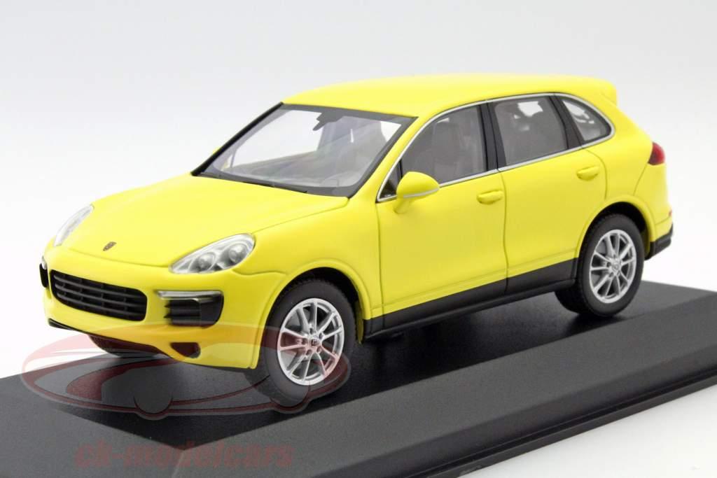 Porsche Cayenne år 2014 gul 1:43 Minichamps