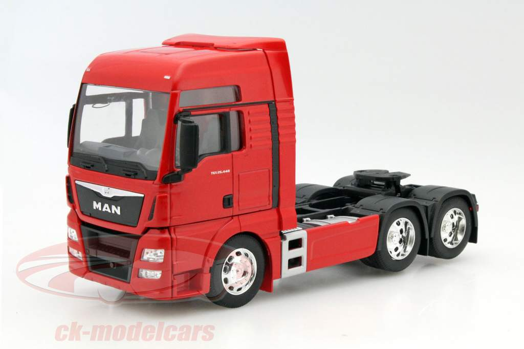 MAN TGX (6x4) rood 1:32 Welly