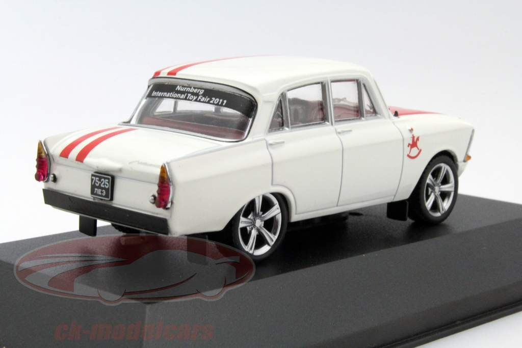 Moskwitch 408 Custom Tuning año 1968 Toy Fair Nürnberg 2011 blanco / rojo 1:43 Ixo