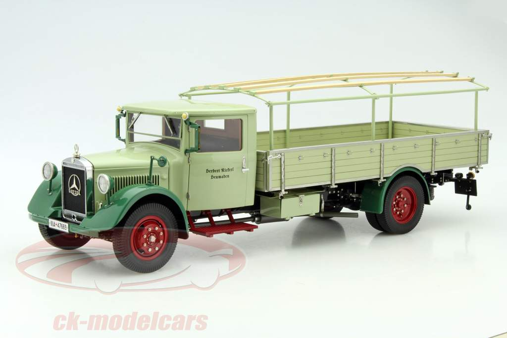 Mercedes-Benz LO 2750 LKW with plan structure Year 1933-1936 green 1:18 CMC