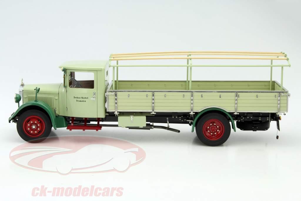 Mercedes-Benz LO 2750 LKW mit Planenaufbau Baujahr 1933-1936 grün 1:18 CMC
